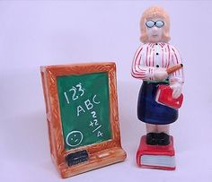 Salt-and-Pepper-Shakers-Teacher-and-Chalkboard this would be a good teacher gift