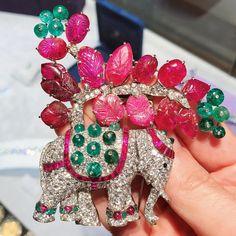 Elephant brooch Boivin tutti fruition ruby