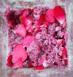 Healthy Green Kitchen Ukrainian Preserved Rose Petals (Rozha z Tsukrom) Edible Flowers Cake, Ukrainian Recipes, Ukrainian Food, Open Faced Sandwich, Rolled Sugar Cookies, Flower Food, Incredible Edibles, Wild Edibles, Stone Fruit