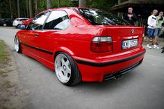 Hellrot BMW e36 compact on cult classic OZ Futura wheels