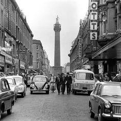 Henry Street c:1966 Dublin Street, Dublin City, Old Pictures, Old Photos, Images Of Ireland, Photo Engraving, Ireland Homes, Irish Celtic, Dublin Ireland