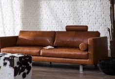 Bonbeno in leather sofa and dust from l'Ancora Collection