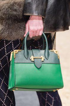 Prada at Milan Fashion Week Fall 2016 - Details Runway Photos Prada Purses, Best Bags, Branded Bags, Green Fashion, Fall 2016, Tote Handbags, Saddle Bags, Purses And Bags, Shoe Bag