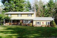 14 CIDER MILL Dr. Clifton Park, N.Y. $282,000 4-Bedrooms 2.5-Baths Colonial:2 stall garage, fam rm, FDR, FP more pictures at: http://goo.gl/H3dCN http://RENY.net #Real Estate New York
