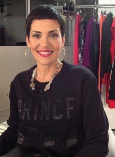 """Christina Cordula pour l'émission """"Les Reines du Shopping"""" porte un sweat Seven Tees"""