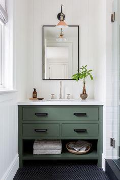也许浴室和浴室浴室可以用沙发和浴室的装饰#