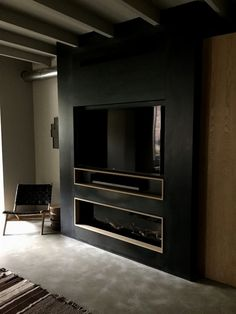 Bespoke M-design gas fireplace with blue steel panels, Samsung Smart TV . Bespoke M-design gas fireplace with blue steel panels, Samsung Smart TV with … Fireplace Tv Wall, Fireplace Remodel, Fireplace Design, Tv Mantle, Linear Fireplace, Living Room Tv, Living Room With Fireplace, Tiny Living, Tv Wall Design