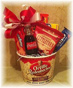 Movie Theater theme: Movie Gift Basket with theater passes for raffle prize; *For raffle winners Theme Baskets, Themed Gift Baskets, Raffle Baskets, Movie Basket Gift, Movie Gift, Raffle Prizes, Door Prizes, Homemade Gifts, Diy Gifts