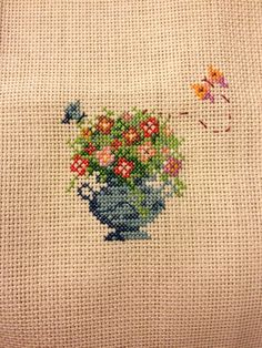 Çarpı işi,vazo,cross stitch,vase,çiçek,flower,diy,hand made