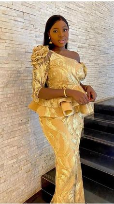 African Wear, Sari, Couture, African Clothes, How To Wear, Fashion, Saree, African Outfits, Moda