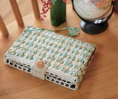 Crochet Notebook Cover: free pattern