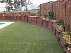 Hottest Absolutely Free Retaining Walls australia Strategies When you have an outdoor in the Nashville location, likelihood is you might have thought it was an issue to he. Privacy Fence Landscaping, Outdoor Landscaping, Landscaping Plants, Outdoor Gardens, Landscaping Ideas, Backyard Retaining Walls, Backyard Walkway, Backyard Patio Designs, Small Vegetable Gardens