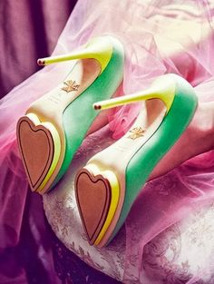 High heel yellow and green heart pumps
