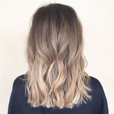 Soft gradient @habitsalon #babylights #summerhair #sombre #ombre #balayage #bronde #lob #longbob #modernsalon #btcpics #angelofcolour #meltedhighlights #hairpost