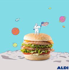 Estados Unidos es un país mundialmente conocido por sus hamburguesas. Cada ciudad tiene su propia lista para conocer la mejor Burger pero en Chicago nos encontramos con una sorpresa: la carne de pollo como protagonista. Si además de comer bien te encanta estar siempre en las nubes, en la capital del estado de Illinois podrás subir a uno de los edificios más elevados del país con más de 440 metros de altura.
