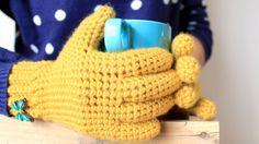 Crochet Patterns Gloves Crochet gloves (with fingers) Crochet Kids Scarf, Bobble Crochet, Crochet Blanket Edging, Crochet Gloves Pattern, Crochet Skirt Pattern, Crochet Winter, Crochet Flower Patterns, Crochet For Kids, Crochet Baby