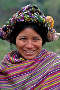 Ixal woman in Guatemala. The Ixil are a Maya people indigenous to Guatemala. The Ixil live in three municipalities in the Cuchumatanes mountains in the northern part of the department El Quiché. We Are The World, People Around The World, Wonders Of The World, Around The Worlds, Beautiful Smile, Beautiful World, Beautiful People, Foto Art, Many Faces