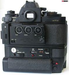 Old Cameras, Vintage Cameras, Canon Cameras, Photography Camera, Digital Photography, Film Camera, Camera Lens, Camera World, Classic Camera