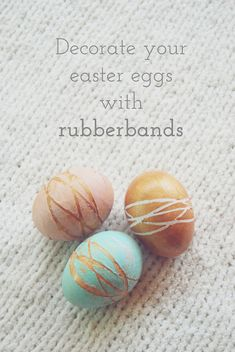 The Pink Doormat: Decorate Your Easter Eggs with Rubber Bands