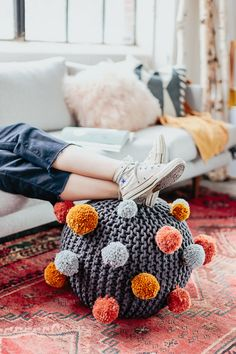 How to Make a Quirky Pom Pom Ottoman for Fall