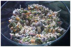 Sałatka z gotowanymi pieczarkami, porem i kukurydzą