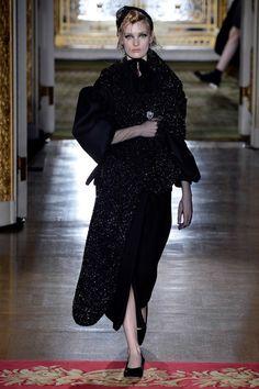 Simone Rocha Fall 2016 Ready-to-Wear Fashion Show