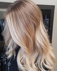 38 Bright Blonde Hair Color Ideas for This Spring 2019 Bright Blonde Hair Color Most of us thought about what would be the life if we looked blonde at some point of our lives. Bright Blonde Hair, Ombre Blond, Best Ombre Hair, Balayage Hair Blonde, Ombre Hair Color, Blonde Color, Cool Hair Color, Blonde Highlights, Hair Colour