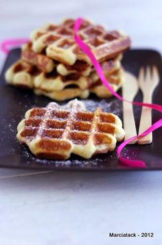 Gaufres vanillées de Christophe Felder - Recette - Marcia Tack Bakery Recipes, Waffle Recipes, Cookbook Recipes, Snack Recipes, Bread Recipes, How To Cook Pancakes, Crepes And Waffles, Cooking Chef, Cooking Time