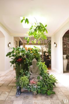 The Big Bang Theory's Kunal Nayyar and Hensely Designer Neha Kapur Invite AD Inside Their Los Angeles Hacienda - - With the help of designer Lory Johansson, the couple turned a Nichols Canyon compound into an oasis. Meditation Garden, Buddha Meditation, Home Bild, Buddha Home Decor, Buddha Kunst, Design Entrée, Design Elements, Pooja Rooms, Interior Garden