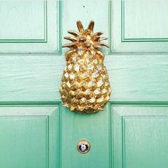 Pineapple Door Knocker - Jefferson Brass Pineapple Door Knocker - The pineapple has traditionally been recognized as the symbol of welcome and hospitality. Tropical Decor, perfect for any front door or beach house - Brass Pineapple Tropical Home Decor, Tropical Interior, Tropical Houses, Tropical Colors, Tropical Furniture, Tropical Front Doors, Pineapple Door Knocker, Tropical Architecture, Gothic Architecture