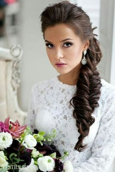 20 classy hairstyles for wedding guests. Top 20 hairstyles to wear at a wedding. Guest hairstyles for every kind of wedding. 20 classy hairstyles for wedding guests. Top 20 hairstyles to wear at a wedding. Guest hairstyles for every kind of wedding. Engagement Hairstyles, Unique Wedding Hairstyles, Classy Hairstyles, Pretty Hairstyles, Braided Hairstyles, Hairstyle Pics, Hairstyle Wedding, Hairstyle Braid, Bridesmaid Side Hairstyles
