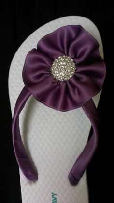 Such a GREAT and SMART idea! Make flip-flops that will match your wedding/bridesmaids dress style and color - SO ingenious! Wedding Flip Flops, Wedding Shoes, Diy Wedding, Dream Wedding, Wedding Day, Cheap Flip Flops, Girls Flip Flops, Flip Flop Shoes, Flip Flop Craft