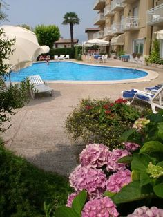 Hotel Romeo Torri Del Benaco Away from traffic, Hotel Romeo is a 2-minute walk from the centre of Torri del Benaco. Walk a little more and you will reach the shores of Lake Garda. Free parking is available at this 3-star superior hotel.