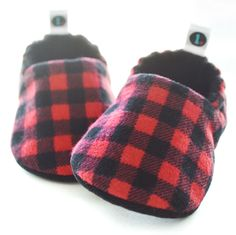 Buffalo Plaid | baby shoes // baby booties // baby moccs // new baby gift