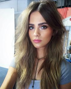 Gorgeous glowing skin, soft eye makeup and pink lips for weekend beauty inspiration.