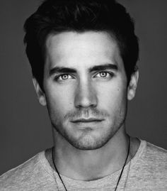 This Artist Combines Celebrity Faces to Create Insanely Gorgeous Fake People - Matt Bomer and Jake Gyllenhaal Matt Bomer, Perfect People, Pretty People, Beautiful People, Beautiful Celebrities, Gorgeous Men, Celebrity Faces, Fake People, Famous Faces