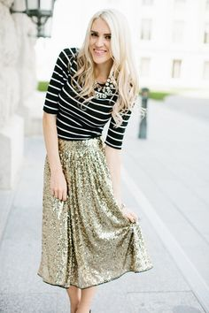 Modest midi and knee length dresses and skirts with sleeves stylish – Mode-sty. - Total Street Style Looks And Fashion Outfit Ideas Twirl Skirt, Midi Skirt, Sequin Skirt, Gold Skirt, Modest Outfits, Modest Fashion, Maternity Outfits, Nursing Friendly Dress, Knee Length Dresses