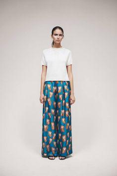 Samuji Spring 2015 Ready-to-Wear Fashion Show Quirky Fashion, Daily Fashion, Love Fashion, Runway Fashion, Fashion Show, Fashion Design, Ss15 Fashion, Spring Summer Fashion, Spring 2015