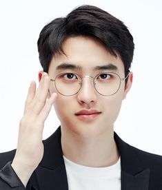 Find images and videos about kpop, exo and glasses on We Heart It - the app to get lost in what you love. Kyungsoo, Exo Chanyeol, D O Exo, Kaisoo, Baekhyun Selca, Baby With Glasses, Scandal, Exo 2017, Exo Official