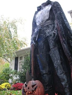 Do It Yourself Collections: This guy has tons of awesome diy Halloween props with step by step instructions
