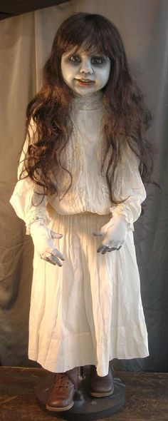 Macabre Gothic Dead Art Dolls by internationally known artist D. Halloween Doll, Creepy Halloween, Halloween Ideas, Creepy Kids, Halloween Costumes, Creepy Art, Halloween Stuff, Halloween Crafts, Halloween Party
