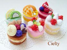 imageview.cgi 500×375 ピクセル Easy Felt Crafts, Felt Diy, Cute Crafts, Food Crafts, Diy Food, Felt Cake, Felt Play Food, Candy Land, Felt Dolls