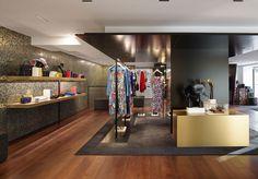 Chanel s installe à Courchevel. Boutique EphemereVitrineModeHiverMode ... 5374e994fa4