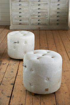 €169,- Round footstool actie XSX #living #interior #rivieramaison