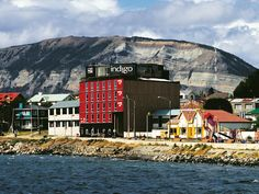 Puerto Natales Magallanes is beautiful and has lots of hotels. Ofcourse we are only looking for the best hotels in Puerto Natales Magallanes. Top Hotels, 5 Star Hotels, Best Hotels, Chile, Hotel Reservations, At The Hotel, Hotel Reviews, Front Desk, Outdoor Pool