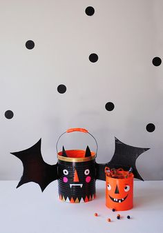 DIY Trick-or-Treat Buckets by MerMag #Halloween