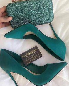 48 tendencias de zapatos para inspirar a todas las chicas - Shoes - Schuhe für Frauen - Schuhtrends - Zapatos Ideas Pretty Shoes, Beautiful Shoes, Cute Shoes, Me Too Shoes, Beautiful Pictures, Gorgeous Women, Pumps Heels, Stiletto Heels, Women's Flats