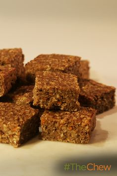 These Carrot Walnut Oat breakfast bars are delicious & nutritious!