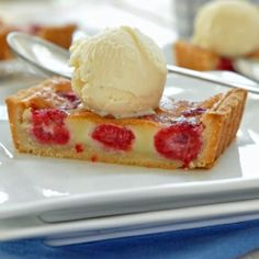 This Raspberry Tart is easy, foolproof, tempting, and completely addicting.  The cookie-like crust is to die for!