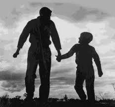 Resultado de imagem para mãos dadas pai e filho